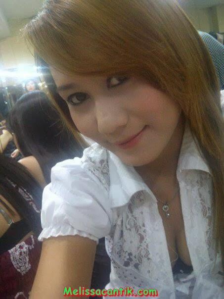 Kumpulan Foto SPG Bispak Cantik Surabaya Bisa Di Booking