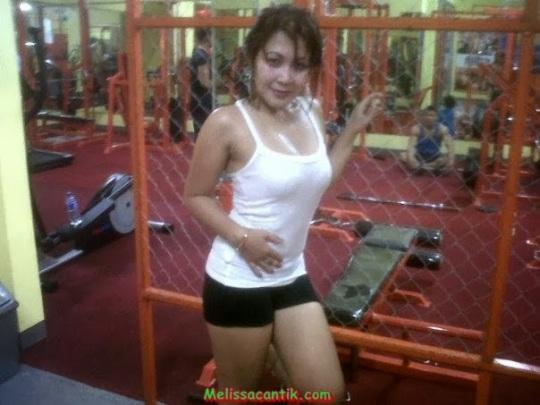 Tante Girang Bandung Haus Seks Tajir Montok Narsis di Tempat Fitnes
